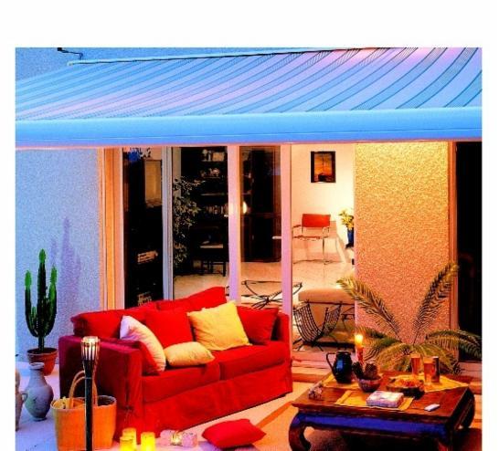 pergolas stores bannes toiles. Black Bedroom Furniture Sets. Home Design Ideas